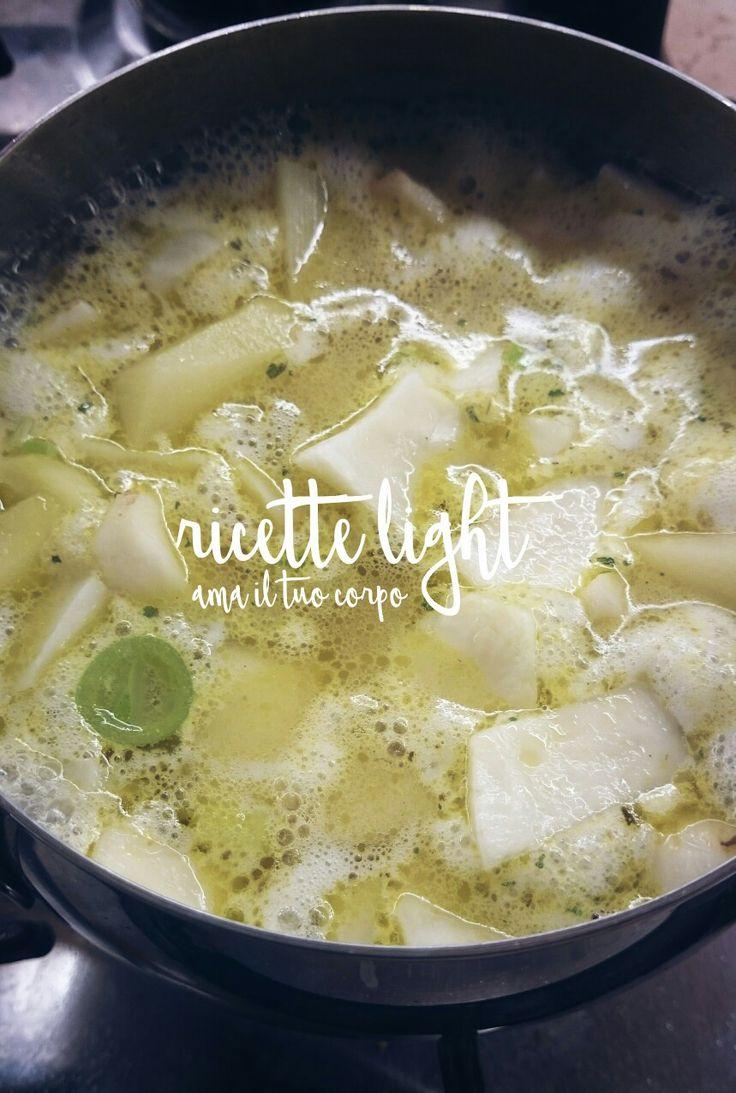 Zuppa di topinambur #workinprogress  ➡ topinambur  ➡ porro  ➡ patata ➡ brodo vegetale  #alice_amailtuocorpo