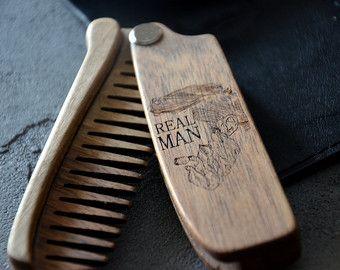 Echte mannen gegraveerd houten opvouwbare Pocket kam haar baard snor Christmas Gift papa vriendje man baard Grooming Kit baard olie