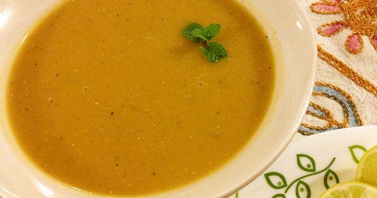 トルコ中どこででも食べられるであろうレンズ豆のスープです