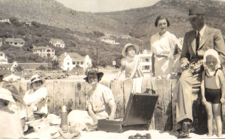Gwen Watson ( nee Bisset ) seated, w Loveday & Fiona Molteno and their father, Jervis Molteno, 1938