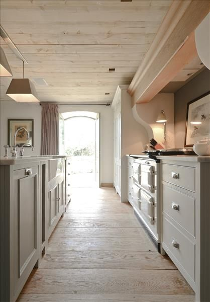 Chichester kitchen in Limestone with Neptune Buckland cooker hood