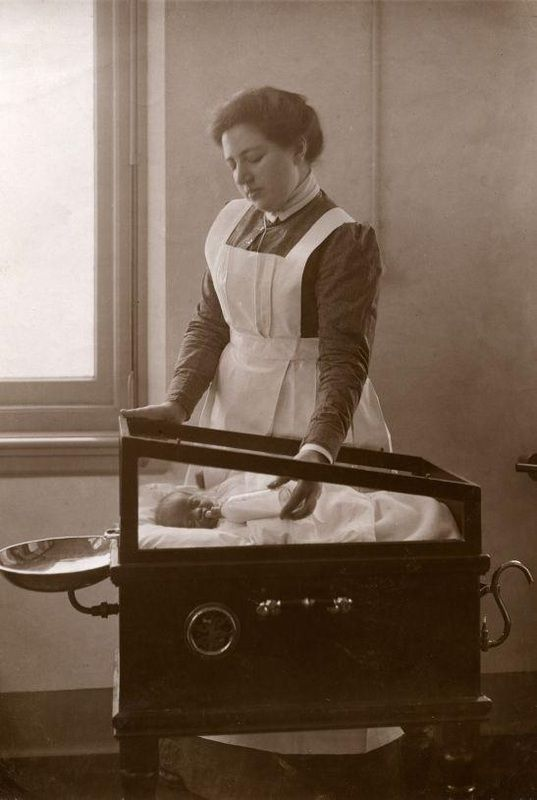 Old Photos From the Netherlands: Nurse