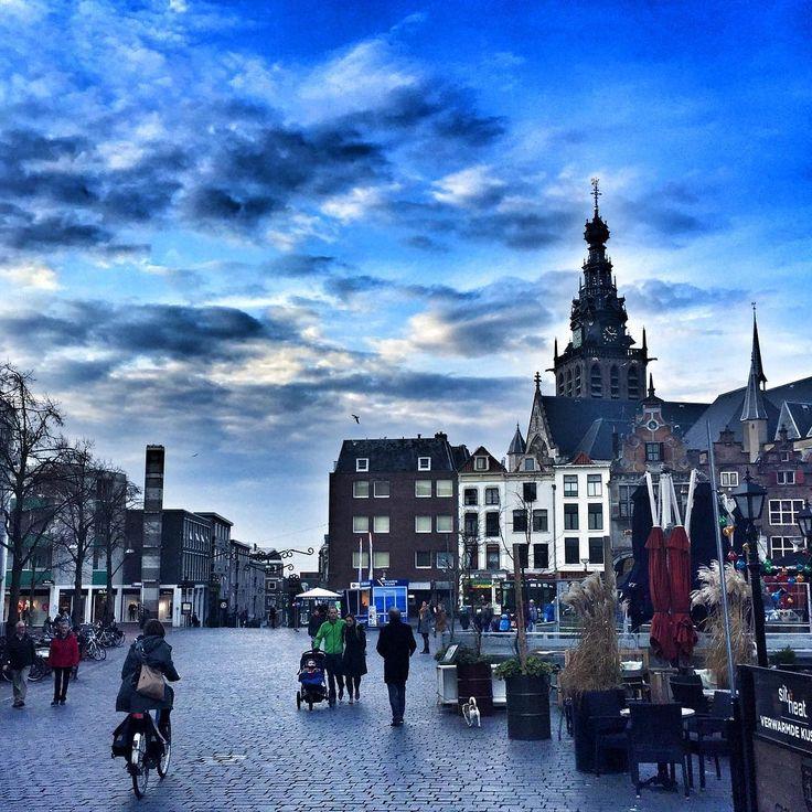 Alfred Boland (@redbol) • Instagram Nijmegen, markt