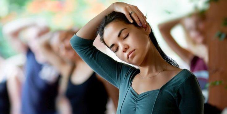 Was hilft beim HWS Syndrom? 12 Tipps und Übungen
