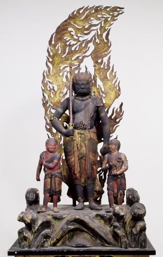 不動明王二童子立像-fudoumyouounidouziryuuzou- (acala naatha) One of Buddha. 不動明王 lives in the world of the flame called 火生三昧(kashouzanmai). 明王 has a sword in the right hand and has 羂索 (kensaku) in the left hand. 峰定寺(buzyouji)