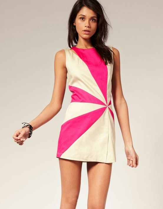 Pretty dress with neon pink!