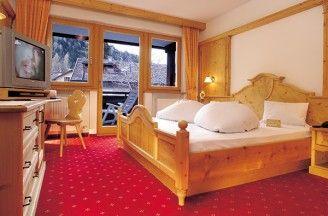 Zimmer, Suiten und Preise Hotel Ratschingserhof im Eisacktal Südtirol - Unterkunft in Sterzing-Ratschings