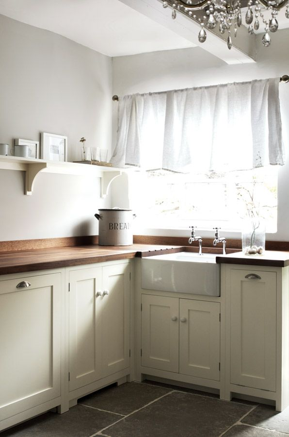 Cream Shaker Style Kitchen