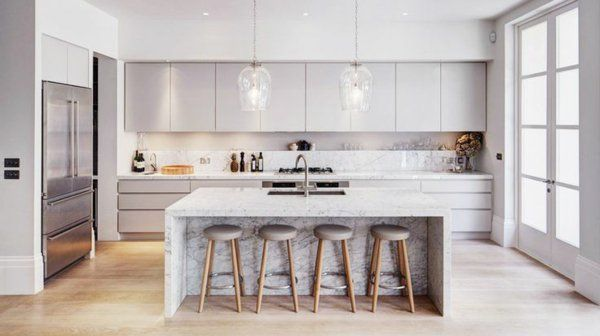 wohnideen küchenideen kücheninsel barhocker metall marmoroptik