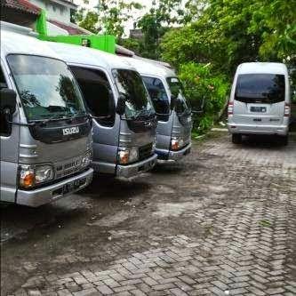 Rental Mobil Semarang Mulai Rp 175 ribu - 02470165523, 081390339313, 08156599124, 081901657313, 088802533313    Sewa Mobil Semarang    - Elf LONG CLASS EXECUTIVE 15 seats Full day : Rp 800.000