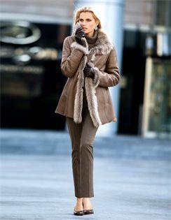 Damen Lammfelljacke mit Steppung und grossem Kragen. #madeleinefashion