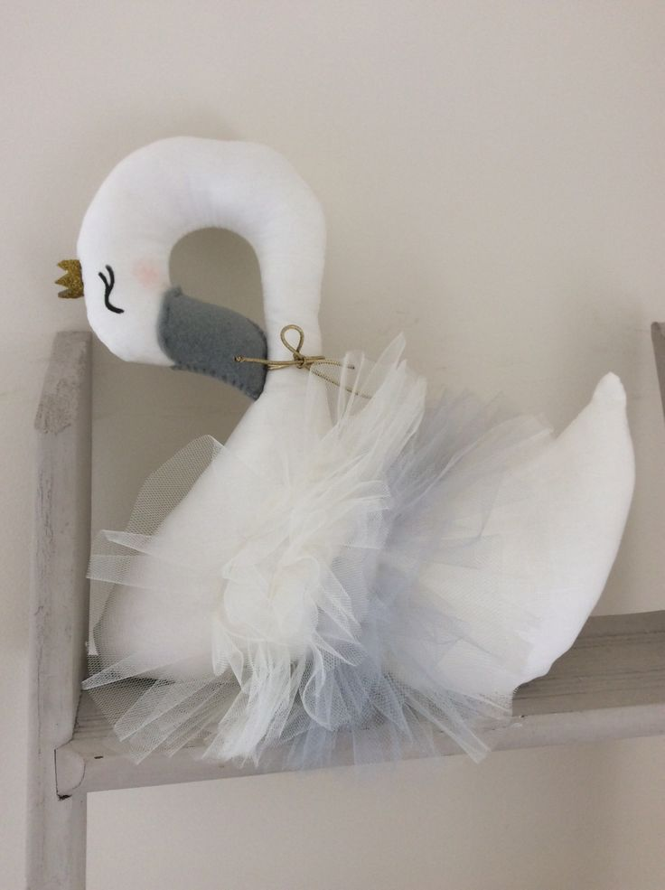 tulle swan soft toy - BEDROOM