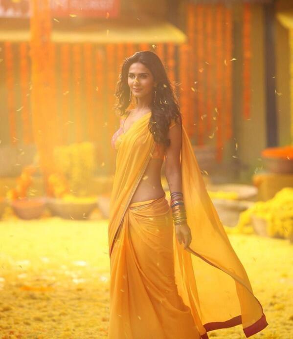 Vani Kapoor. #saree #sari #blouse #indian #hp #outfit #shaadi #bridal #fashion #style #desi #designer #wedding #gorgeous #beautiful
