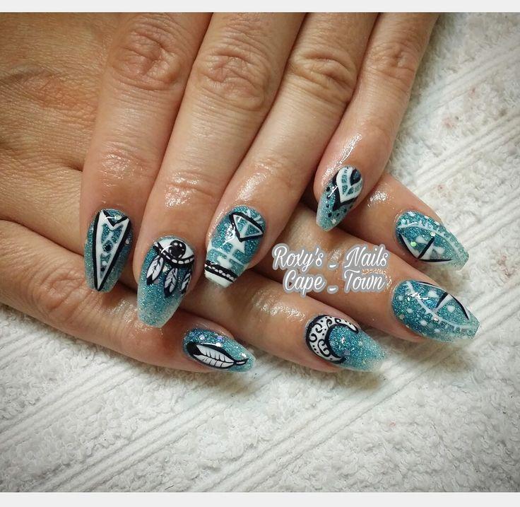 Earth nails @roxysnails