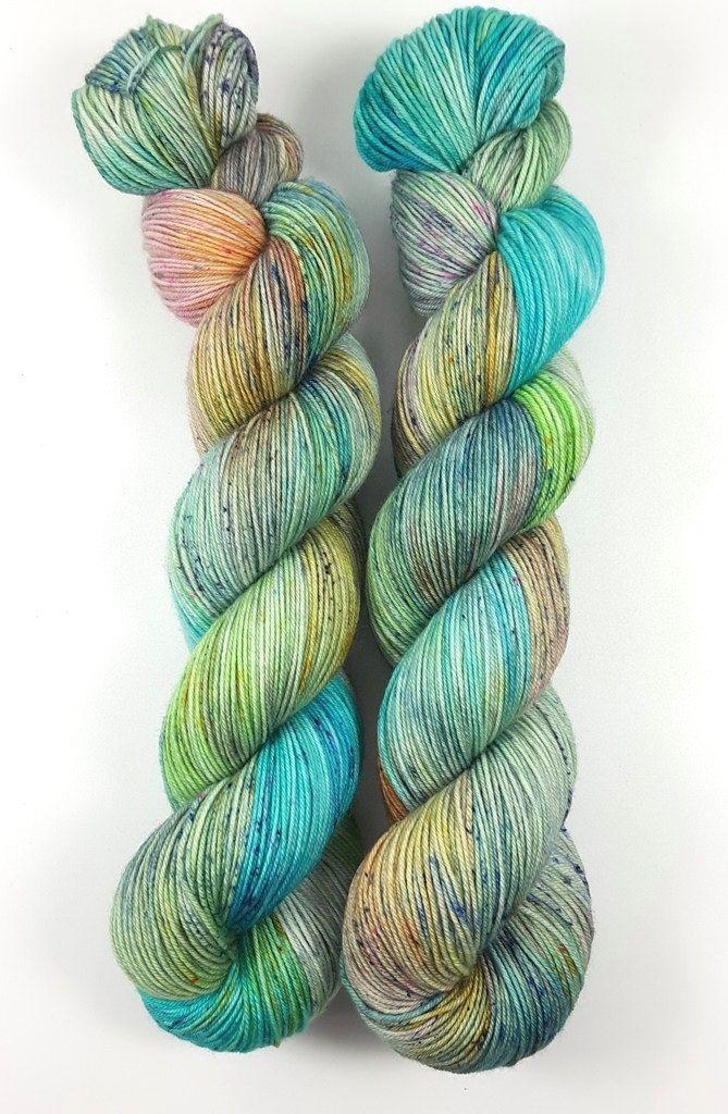 Frühlingsbrise - 100% Merino superwash - 400m/100g - hand dyed von Fadenbunt auf Etsy