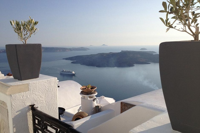 Louis Olympia in #Santorini by Travelive, via Flickr #Greece #cruiseship #ships #summer #view