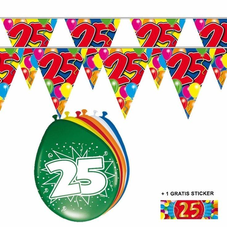 Voordeelset 25 jaar met 2 vlaggenlijnen en ballonnen  25 jaar versiering voordeelset met 2 vlaggenlijnen een zakje van 8 ballonnen en een gratis sticker. Beide vlaggenlijnen zijn 10 meter lang en aan 1 kant bedrukt. De ballonnen zijn 30 cm.  Dit artikel bestaat uit: 1x Ballonnen 25 jaar 2x Leeftijd vlaggenlijn 25 jaar 10 meter 1x 25 jaar sticker  EUR 6.95  Meer informatie
