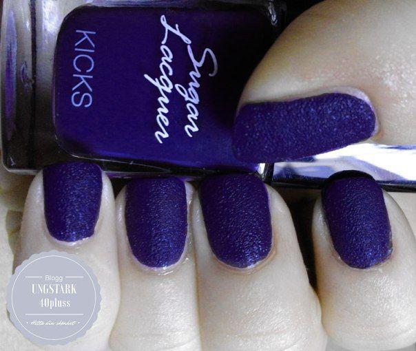 Strukturlacket Sugar Laquer från Kicks #naglar nails blue purple blå lila