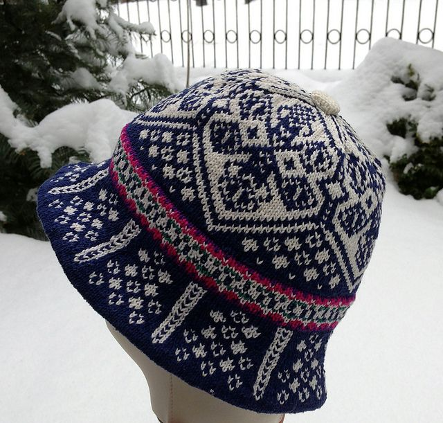 Original 1994 Lillehammer Winter Olympc Games. Design: Margaretha Finseth  Produced by Dale of Norway (Ravelry: dom-klary's Norwegian Hat - Sunny Fjords)