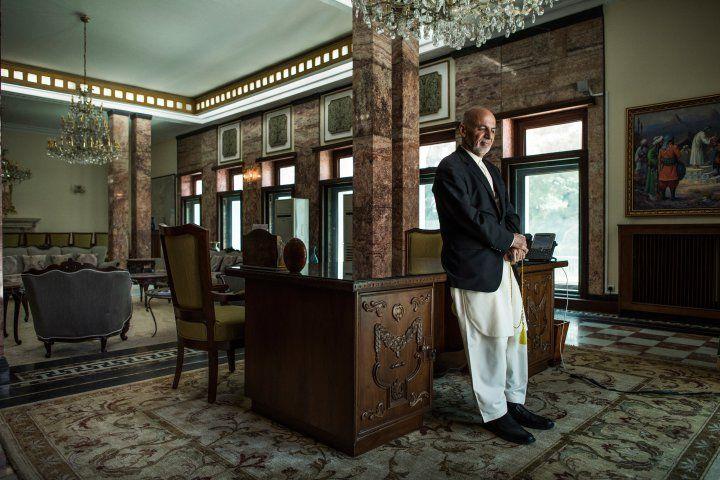 Ashraf-ghani-afghan-president-andrew-quilty-office