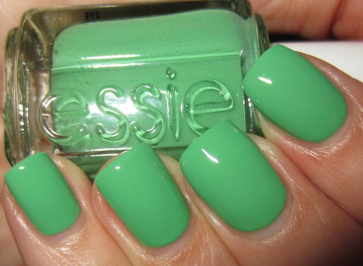 Essie Mojito Madness is the ultimate summer nail color. green polish
