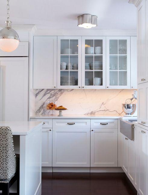 Kitchen Design Idea:  Large-Scale Marble Wall Backsplashes