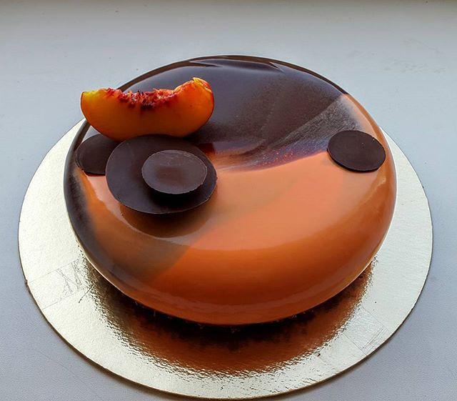 """Торт """"1000 и 1 ночь"""" Шоколадный бисквит,хрустящий слой шоколад-вафельная крошка, шоколадное кремю темный шоколад,мармелад апельсин-манго,мусс с чаем Эрл Грей. #торт#пирожные#калининград#безмастики#cake#beautiful#foodporn#instafood#kaliningrad"""