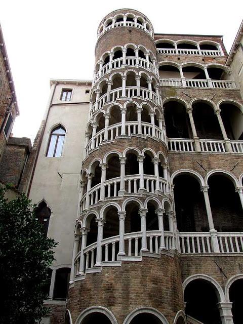 Best External Spiral Staircase By Giorgio Spavento Palazzo 400 x 300
