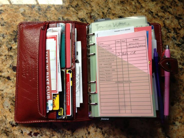 Tracie White's Filofax, found on Facebook Filofax page