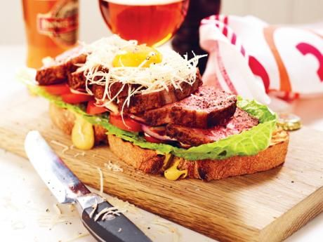 Recept på snabb, god och enkel fredagsmat till fredagsmyset. En fredagsmiddag ska gå snabbt att svänga ihop och vara lite extra god. Bästa starten på helgen!