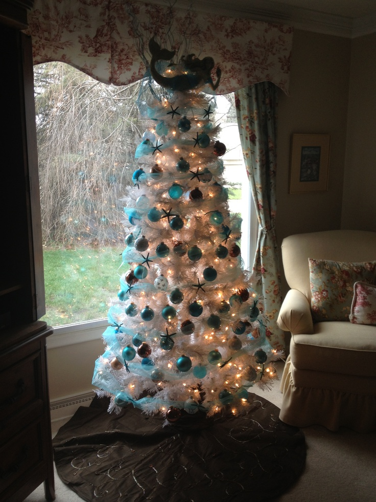 My beachy Christmas tree. I am obsessed with it.