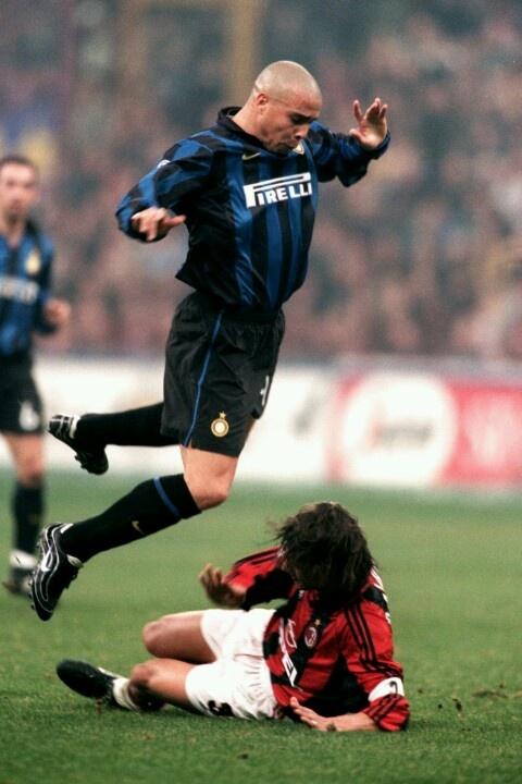 Ronaldo vs Maldini #inter