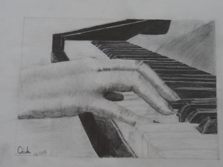 Manon pianiste - crayon