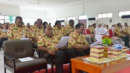LPMAK_News: Pimpinan LPMAK Menanggapi Khotba Uskup Timika