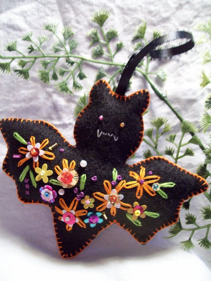 little bat Halloween Ornament by lesliesvarietyshow on Etsy, $7.00