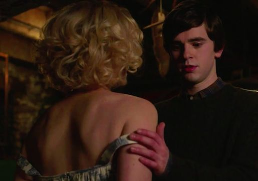 bates-motel-season-3-teaser-norma-norman-bedroom-video.png?w=515