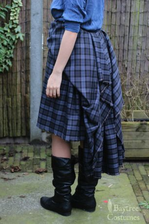 How to make an Outlander costume – Part 1: Arisaid / Great Kilt – Baytree Costumes