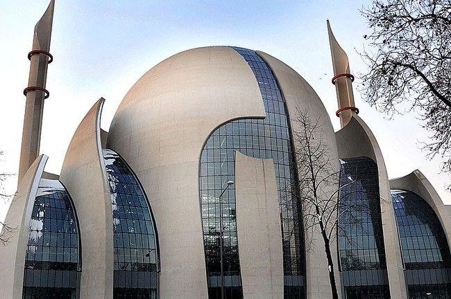 Kehebatan rekaan unik cologne central mosque