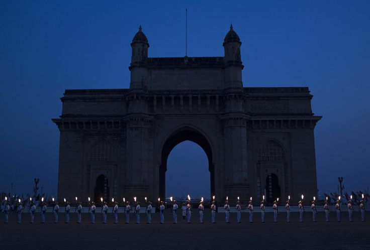 Indian Navy Soldiers Stand In Front Of The Gateway Of India Monument During Navy Day Celebrations In Mumbai December 2 2014 The Indian Nav Navy Day Photo Day