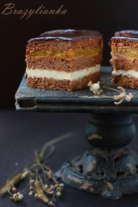 Miodowe ciasto z jabłkami i kremem budyniowym / Honey cake with apples and custard pudding