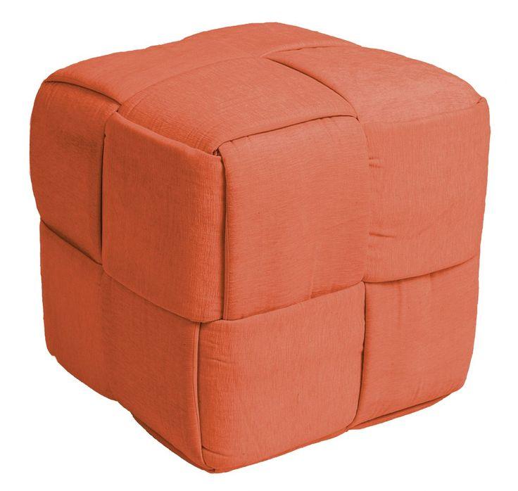 """ZicZac Poef - Scoubidou Oranje       Heerlijk zachte poef van het mooie merk ZicZac, met prachtige """"scoubidou"""" (knopen)look!De poef is voorzien van een ritssluiting om de vulling bij te vullen. Uiteraard kun je de hoes ook wassen.  Hoe zou de poef staan tijdens de feestdagen bij jou in de huiskamer?  Productkenmerken van de poef:  Materiaal:100%katoen Diameter: 50cm Hoogte: 35 cm Vulling: EPS parels"""