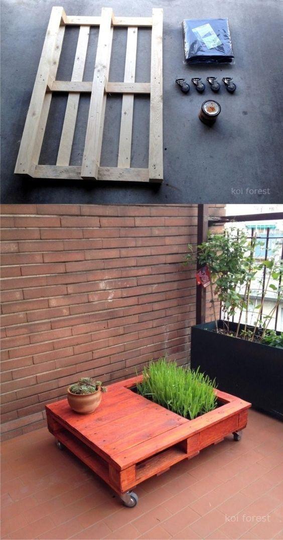Table basse d'extérieur en palette avec jardinière intégrée http://www.homelisty.com/table-basse-palette/