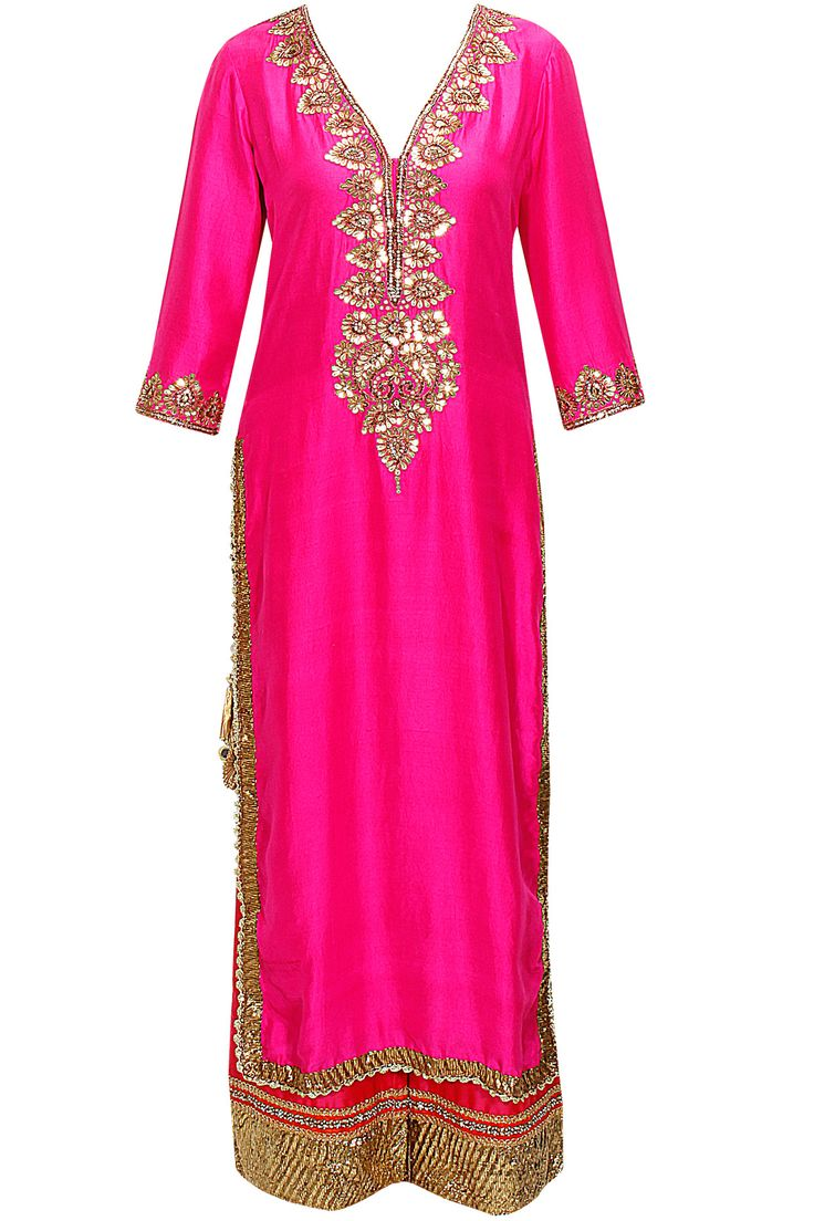 Pink abla work kurta set by Seema Khan. Shop now: www.perniaspopups.... #clothing #kurtaset #seemakhan #pretty #ethnic #shopnow #perniaspopupshop #happyshopping