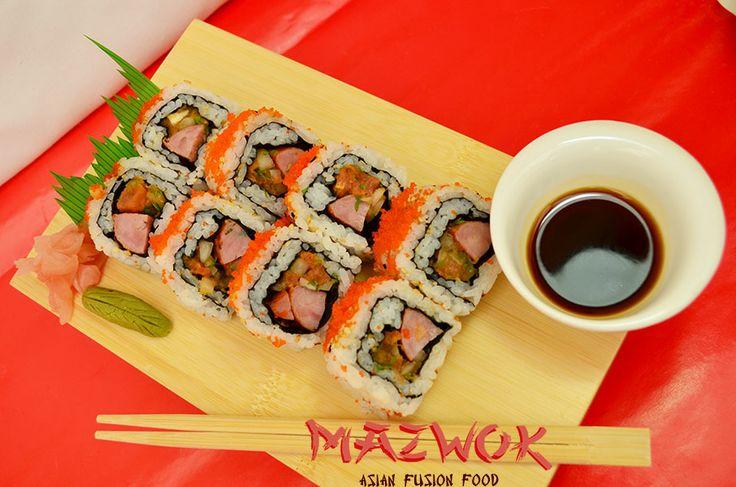 Maki Ranch: Sushi que fusiona la comida japonesa y la peruana, está compuesto de chorizo, pico de gallo, maíz tierno y masago