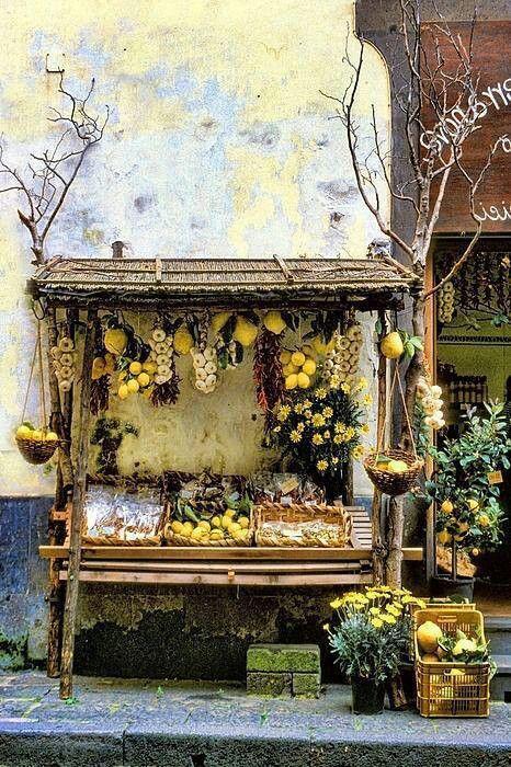 Market in Sorrento, Italia