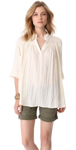 Loving this breezy, pleated tunic! #maternity