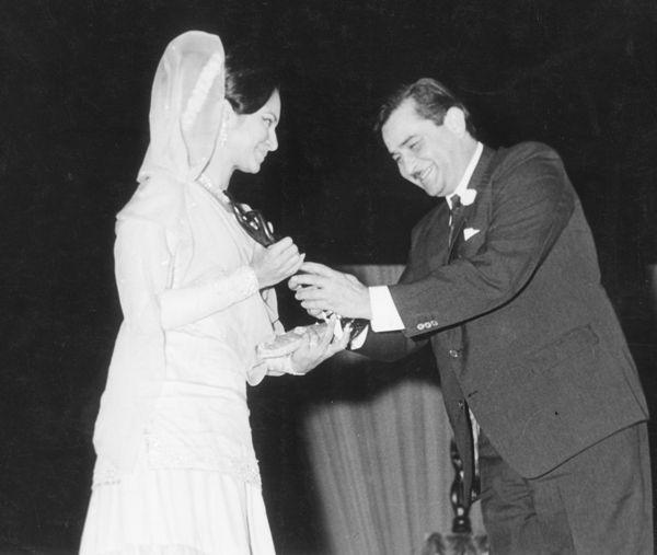 Raj Kapoor and Waheeda Rehman