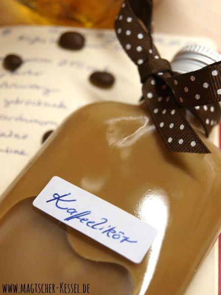 Meine Vergesslichkeit - euer Vorteil: Rezept für Blitz-Kaffeelikör für Supereilige (quasi Irish Coffee als Likör)