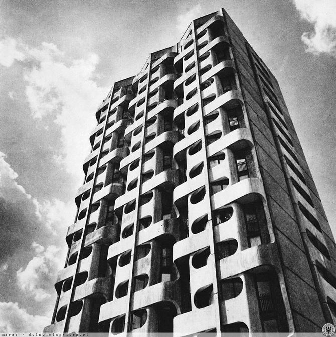 Zespoł mieszkaniowo-usługowy przy placu Grunwaldzkim we Wrocławiu (Manhattan)