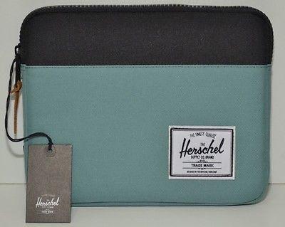 HERSCHEL Porta I-pad Mod. ANCHOR  nel colore verde acqua e nero